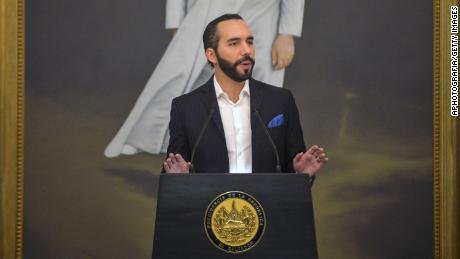 El Salvador buys 200 bitcoins as the digital currency becomes legal tender