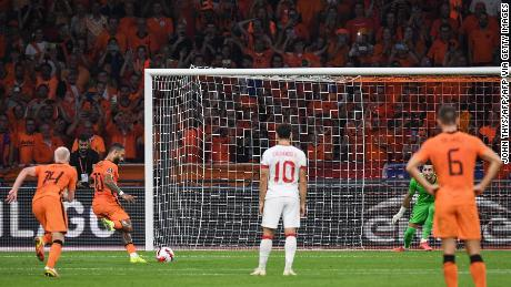 Depay scores his penalty against Turkey.