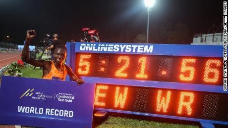 Niyonsaba celebrates setting a new 2,000m world record.