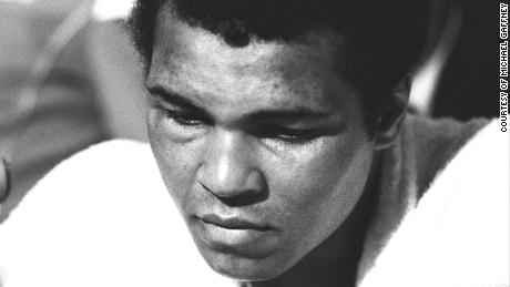 A shock loss to a young Leon Spinks in February 1978 was a clear sign of Ali's decline, although he took the title back from Spinks in September of that year.