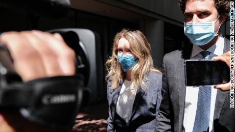 En el caso penal de Elizabeth Holmes, su relación con los medios también está en juicio.