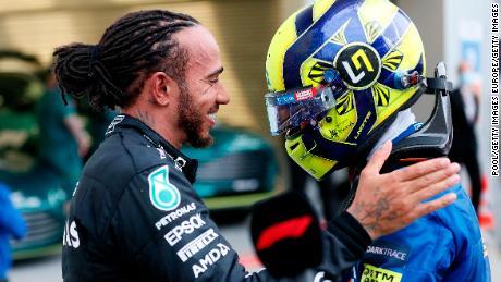 Hamilton consols Norris after the Russian Grand Prix.