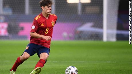 Spain's midfielder Gavi controls the ball against Italy on October 6, 2021.