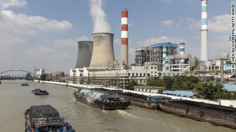 China ordena a las minas de carbón que aumenten la producción debido a la escasez de energía
