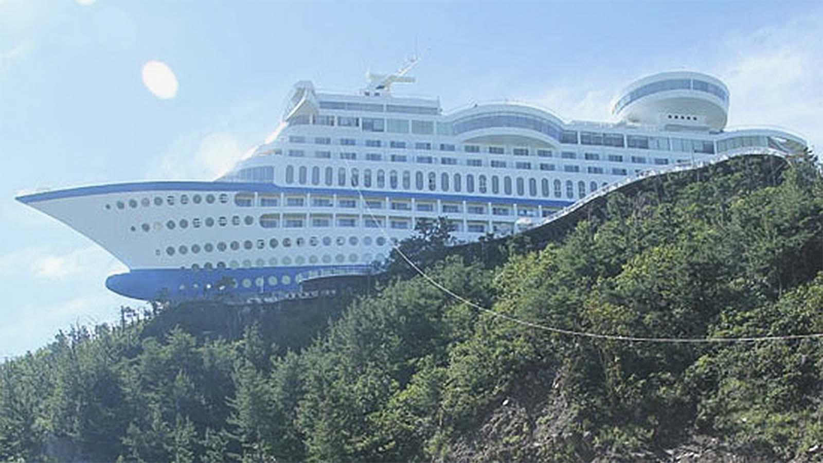 160123205401-strangehotels-sun-cruise-resort.jpg