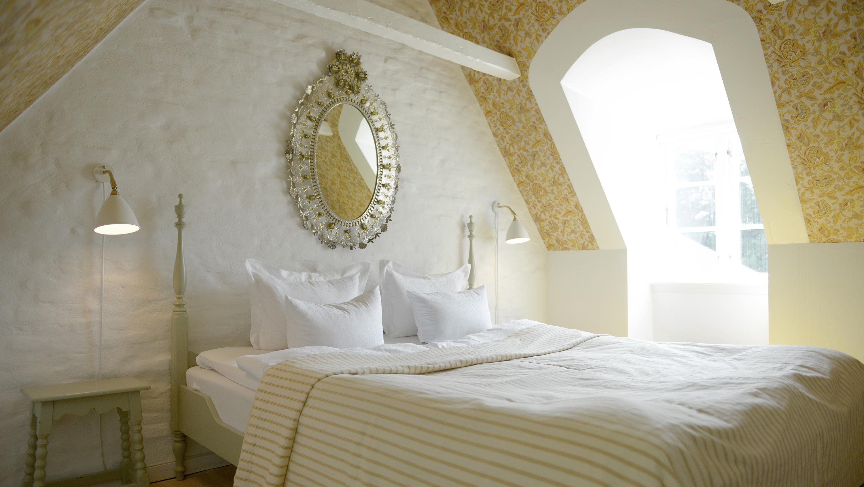 171109144939-02-cozy-hotels-redefining-luxury.jpg