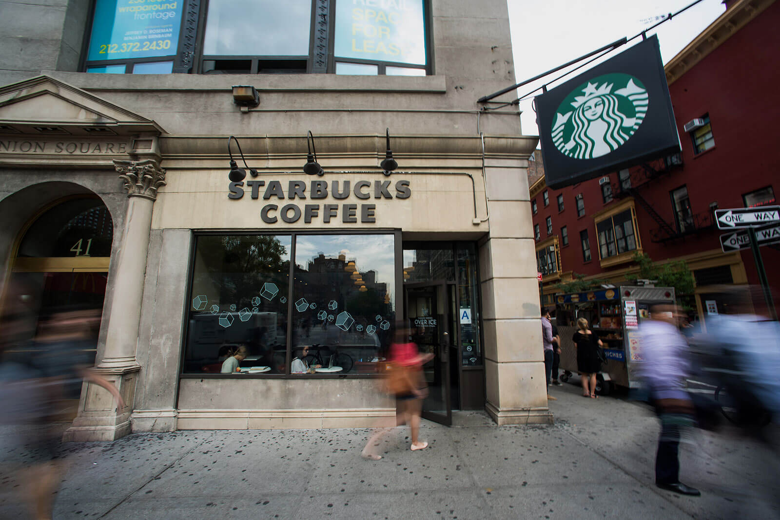 Lyft partners with Starbucks
