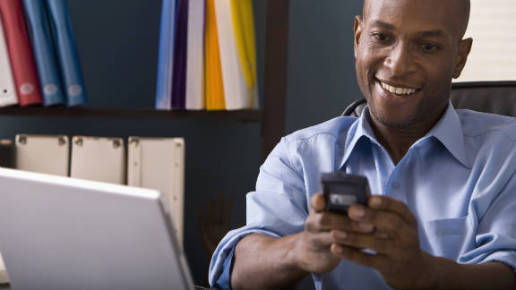 Whether individuals prefer to get text messages appears to have a strong correlation with how often they text.
