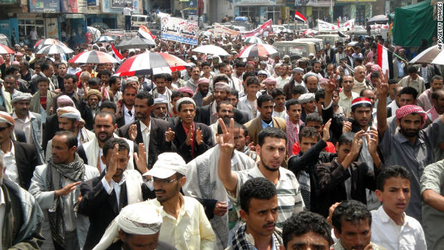 Thousands of Yemenis rally in the city of Ibb on September 19, 2011 against the deadly clashes between anti-government protesters and security forces in the capita Sanaa.