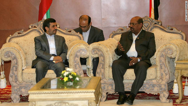 Iranian President Mahmoud Ahmadinejad (L) meets with Sudanese President Omar al-Bashir in Khartoum on September 26, 2011.