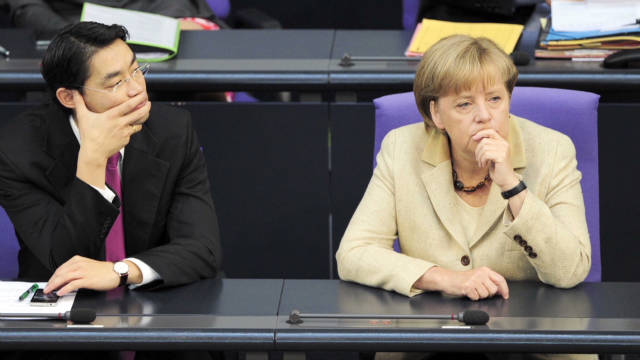 Germany approves eurozone bailout