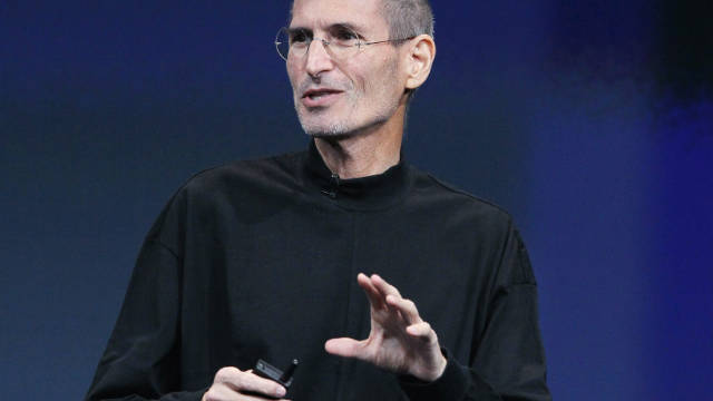 2010: Steve Jobs endures a network crash