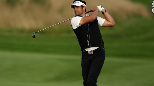 Lee Slattery holds a one-stroke lead in the Madrid Masters as he attempts to secure his first European Tour success.