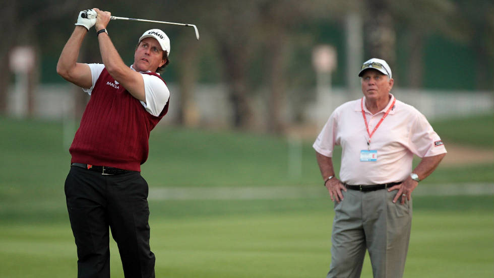 After splitting with Woods in 2004, Harmon linked up with the former world No. 1's greatest rival Phil Mickelson three years later.
