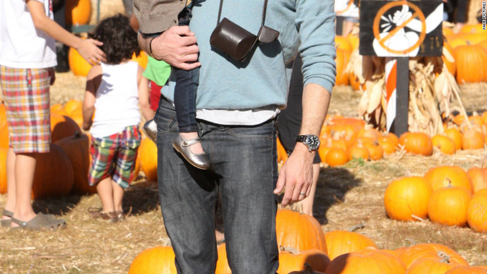 Eric Dane takes his family to a pumpkin patch in Los Angeles.