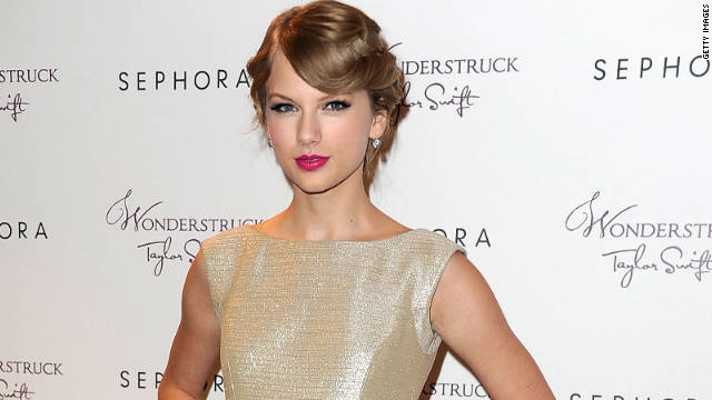 Taylor Swift says she's extremely single at the moment.