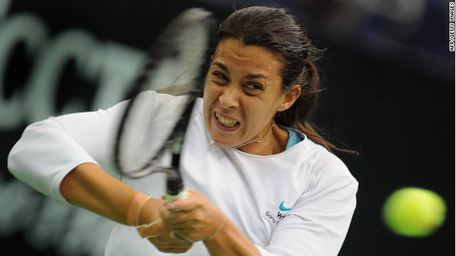 Former Wimbledon finalist Marion Bartoli must win the Kremlin Cup to extend her season.