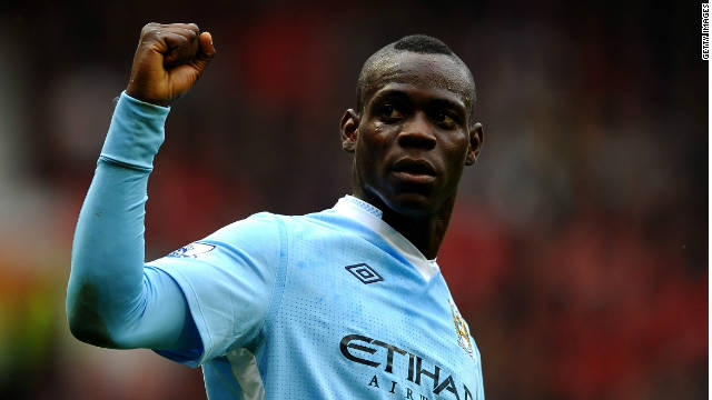 Mario Balotelli scores twice in Manchester City's 6-1 rout of Manchester United