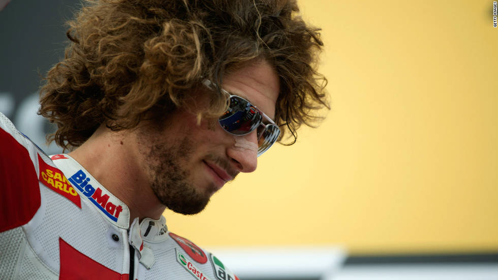 Italian MotoGP rider Marco Simoncelli lost his life after a fatal crash in Malaysia on Sunday.