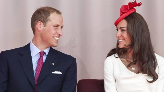 The two spoke about how Prince William proposed to Kate Middleton with a special engagement ring.