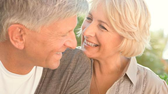 A new study suggests that happiness in older people may lead to a longer life.