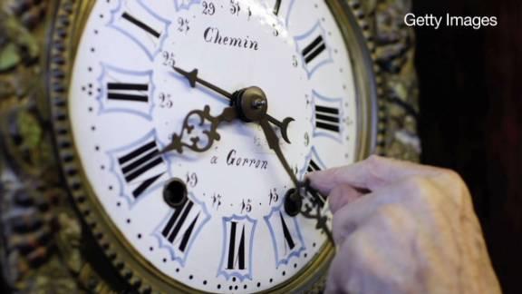 explain it to me daylight saving time_00010314