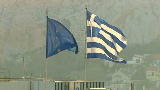 Greek economy mired in recession