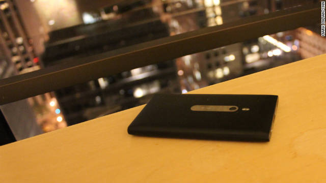 The Lumia 800 has a fine-tuned 8-megapixel digital camera with a bright flash.
