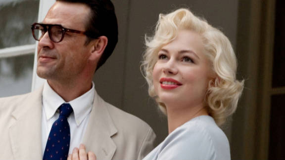 Michelle Williams captures Monroe's vulnerabilities and the duality of Norma Jeane Baker. Dougray Scott plays Arthur Miller.