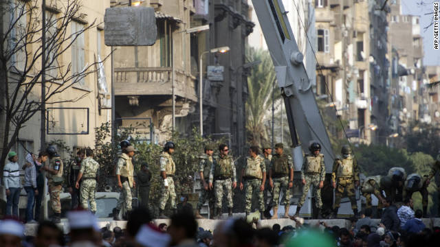 Egypt in crisis after violent clashes