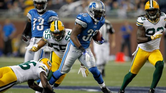 Other mainstays of Thanksgiving Day are the annual NFL games, traditionally featuring the Detroit Lions (pictured against the Green Bay Packers) and the Dallas Cowboys. The NFL Thanksgiving Day game has been played since 1920.