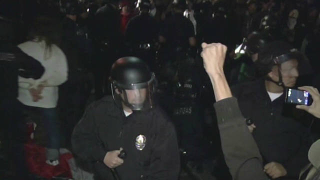Police move on Occupy L.A. protesters