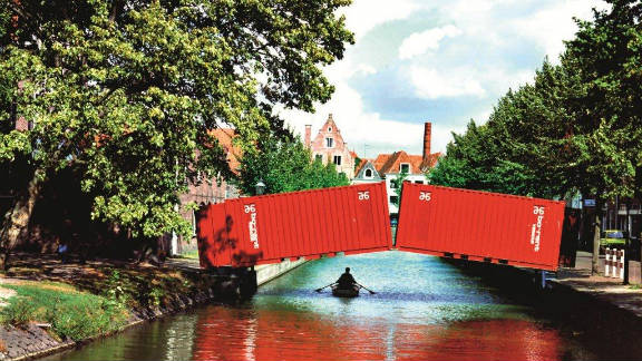 """A  temporary """"pop-up"""" bridge for cyclists and pedestrians has appeared in the Dutch city of Hoorn."""