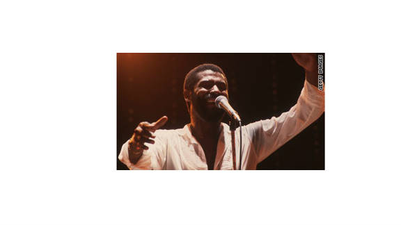 Soul singer Teddy Pendergrass sang passionately about sexual intimacy, but he still courted women in his songs.