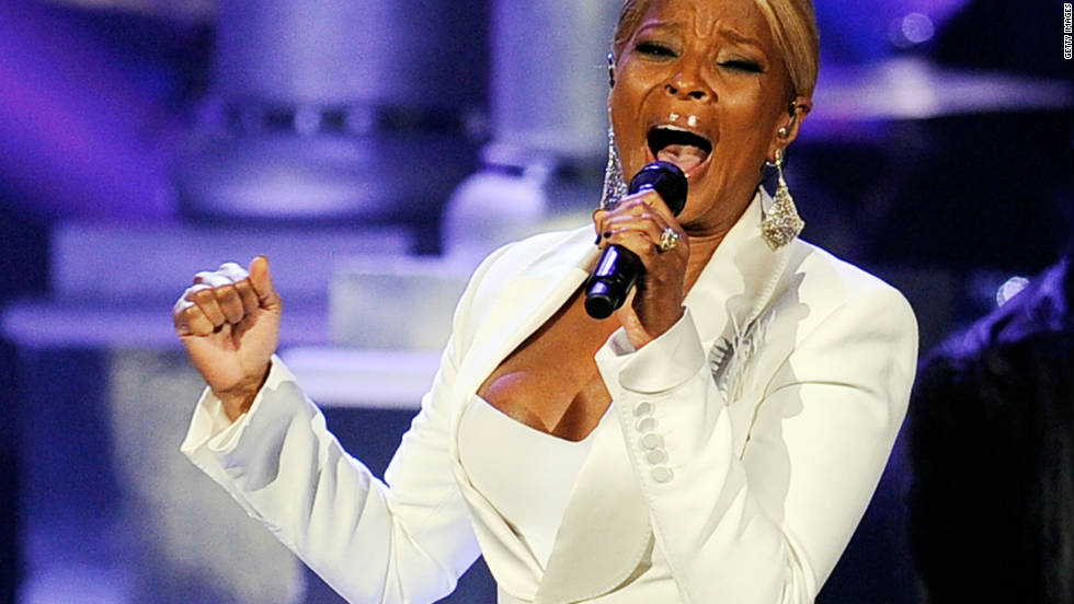 Singer Mary J. Blige performs onstage at the 2011 American Music Awards held at Nokia Theatre L.A. LIVE on November 20, 2011 in Los Angeles, California.