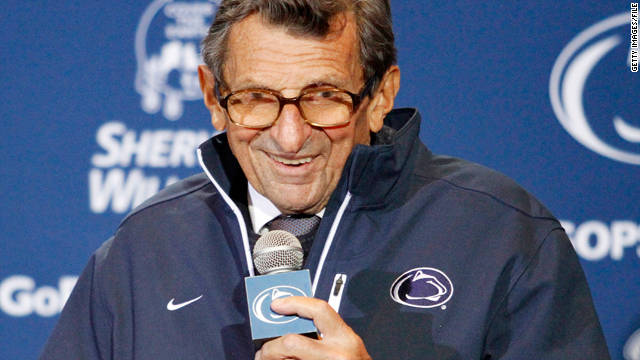 Former Penn State football coach Joe Paterno's fractured pelvis will not require surgery, a source says.
