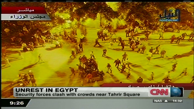 Egypt: Activists, security forces clash