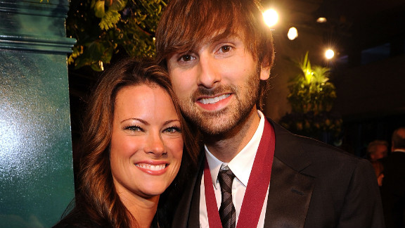 Dave Haywood and Kelli Cashiola are engaged..