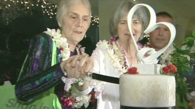 Gay couples first civil unions in Hawaii