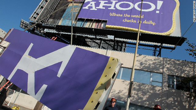 Login information of more than 450,000 Yahoo users was hacked and posted online in a warning to the site.