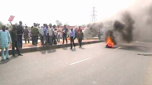 Nigeria unions urge strike over fuel