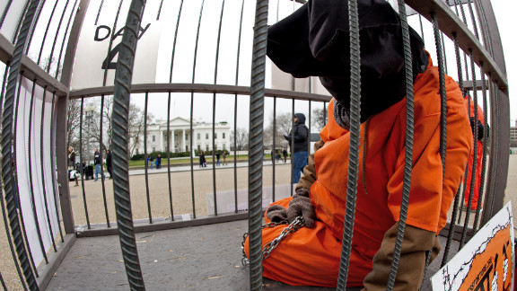 One of 50 activists protesting Guantanamo Bay prison in front of the White House takes his shift. The vigil lasts until Wednesday.