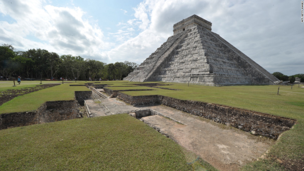 The Maya built great stone buildings and pyramids, many of which still remain today, such as the Kukulcan temple, also known as El Castillo, that dominates the Chichen Itza archaeological site in Mexico.