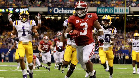 Alabama's Trent Richardson scores the game's lone touchdown as the Crimson Tide beat LSU 21-0 to win the BCS title.