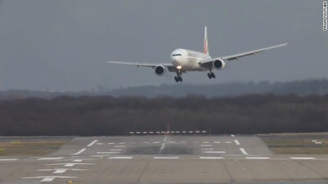 https://cdn.cnn.com/cnnnext/dam/assets/120111043618-plane-landing-cross-winds-story-top.jpg