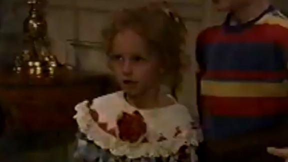 """Hayden Panettiere portrayed young Sarah Roberts (who would later go by """"Flash"""") as a child in 1994 (she was the flower girl for Todd and Blair"""