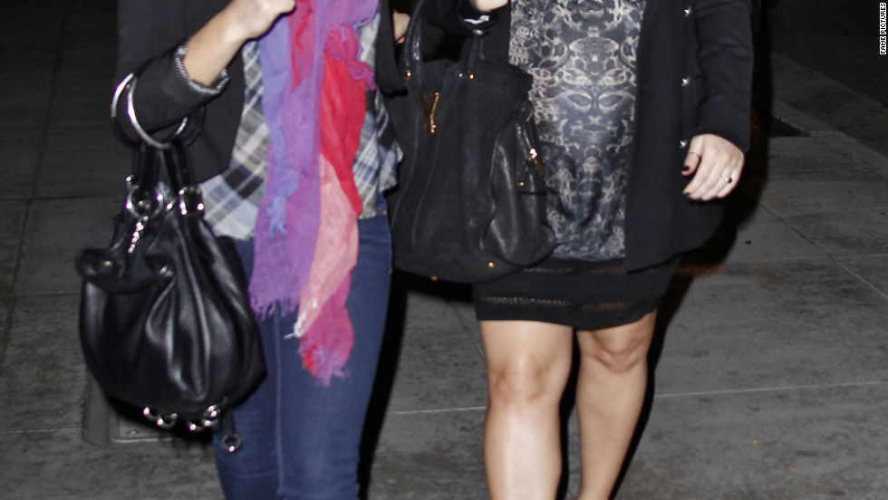 Jessica Simpsons goes out for dinner in Beverly Hills.