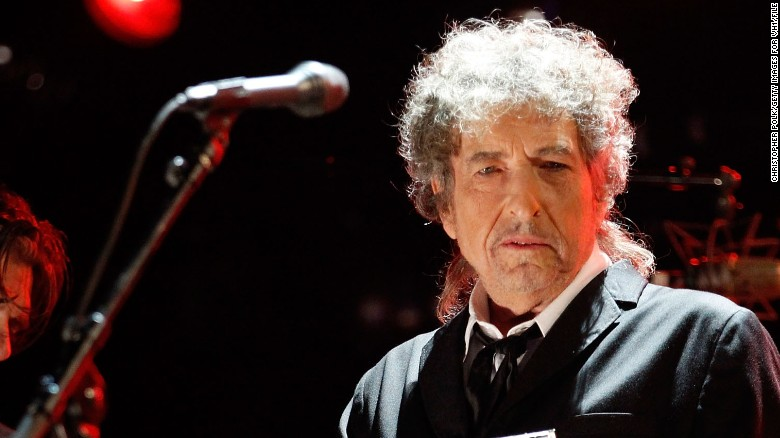 Dylan wins Nobel Prize in Literature