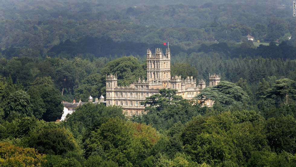 The show is filmed at Highclere Castle, which is located amidst 1,000 acres of parkland near Newbury, England.