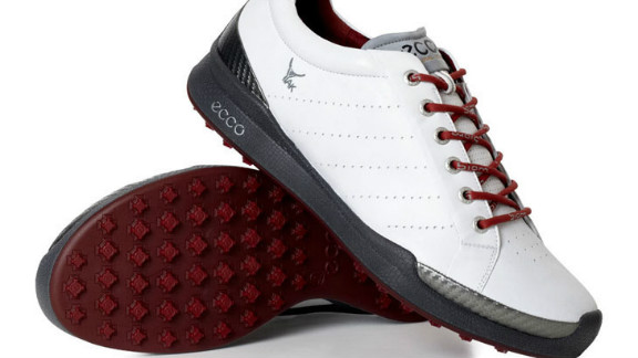 This advanced new hybrid shoe uses advanced outsole technology, with 100 molded, wear-resistant traction bars that have more than 800 traction angles.